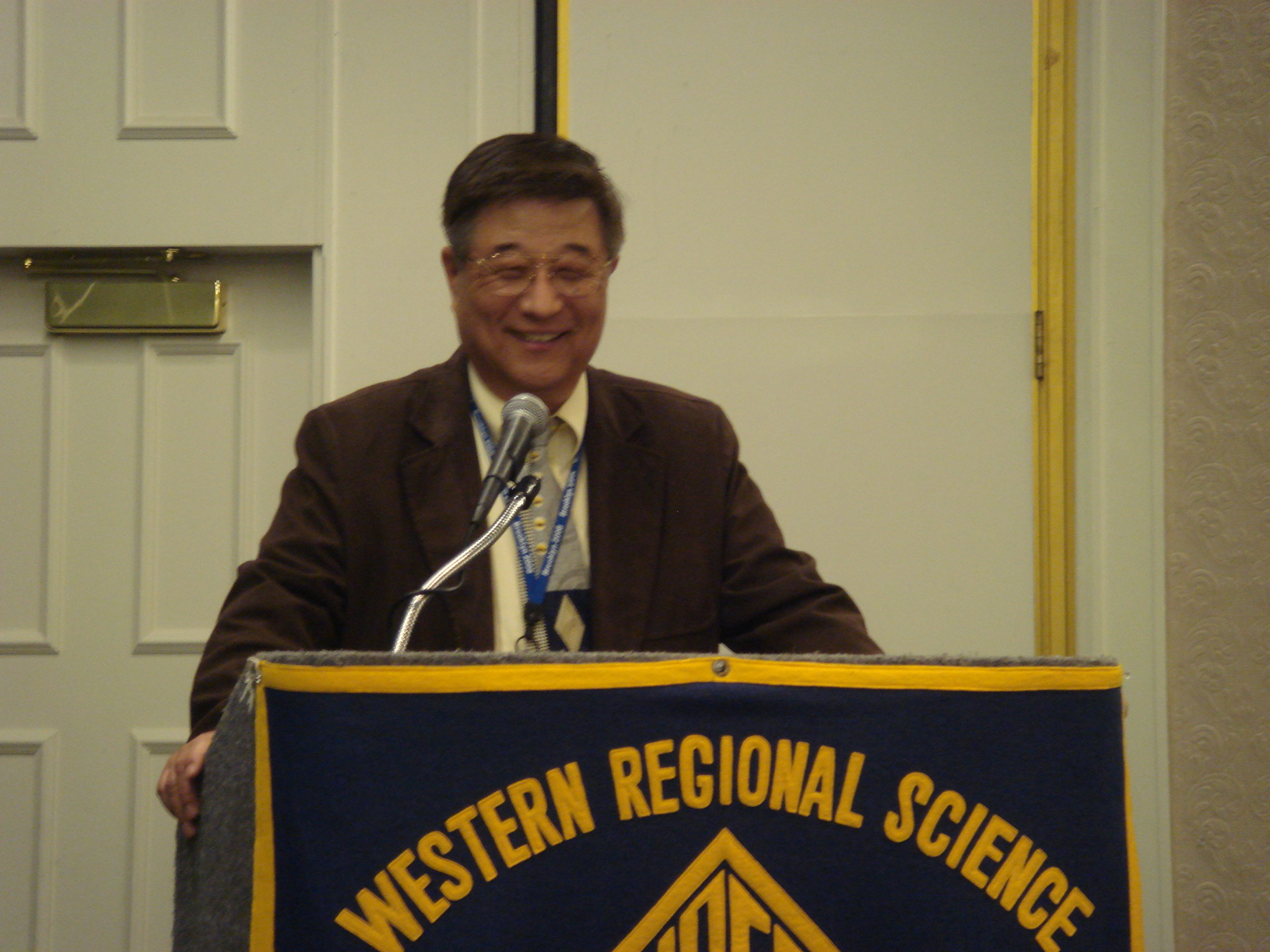 President Kim Chairs the Banquet Program
